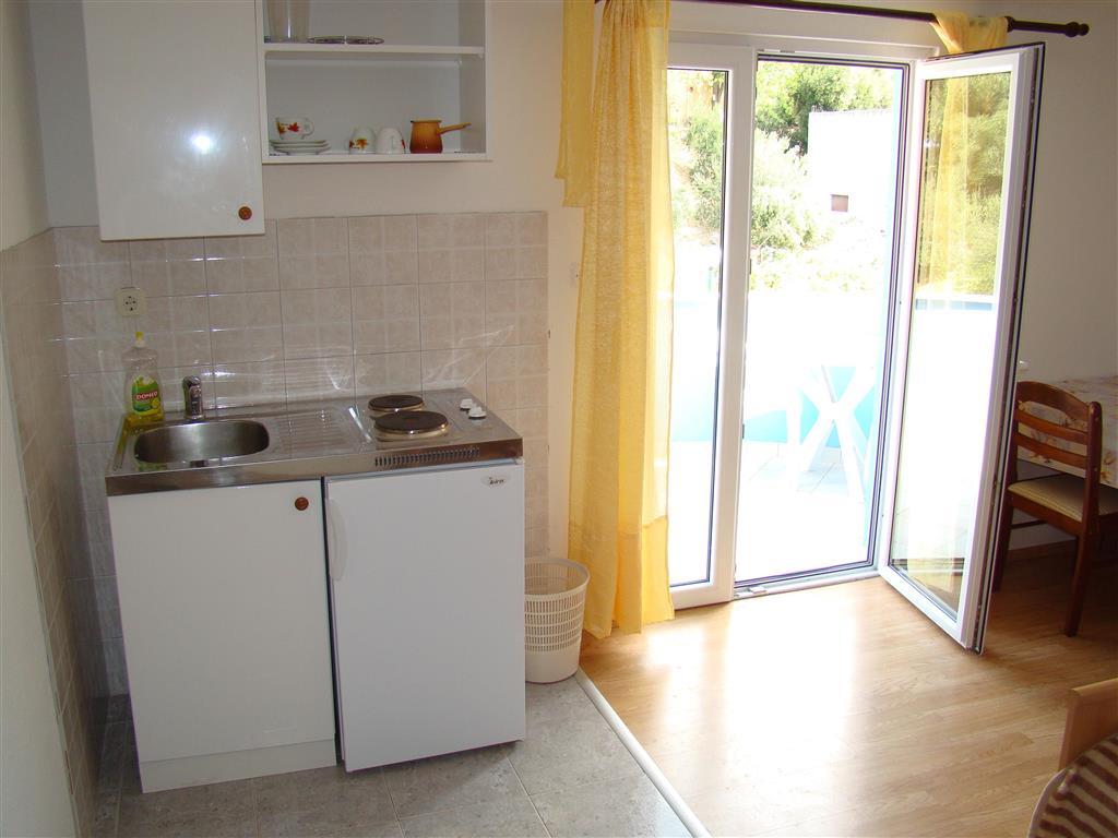 Všechny studia i apartmány mají vlastní kuchyňský kout.