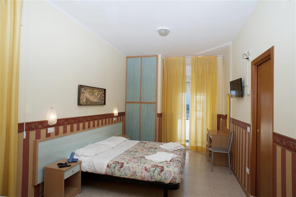 Každý pokoj má balkon a klimatizaci zdarma.