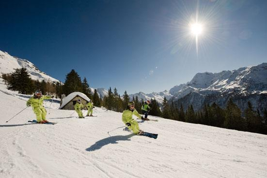 Skiareál Baradello je nový areál vybudovaný v roce 2004 - 2006 se 4-sedačkovou lanovkou, která vynese lyžaře až do výšky 1 970 m