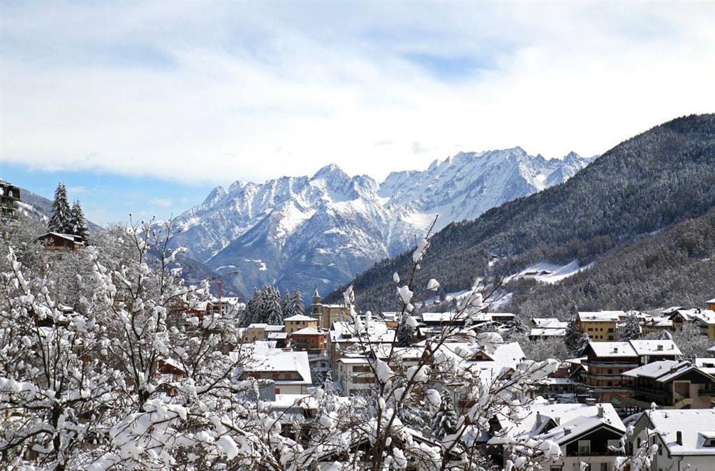 """Aprica také může nabídnout Ski Mountaineering neboli ,,lyžařské horolezectví"""""""