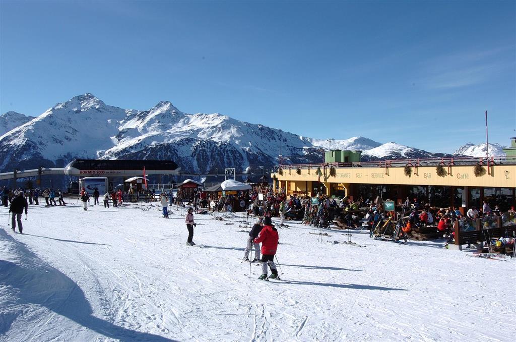 Čeká na Vás více jak 100 km lyžařských tratí
