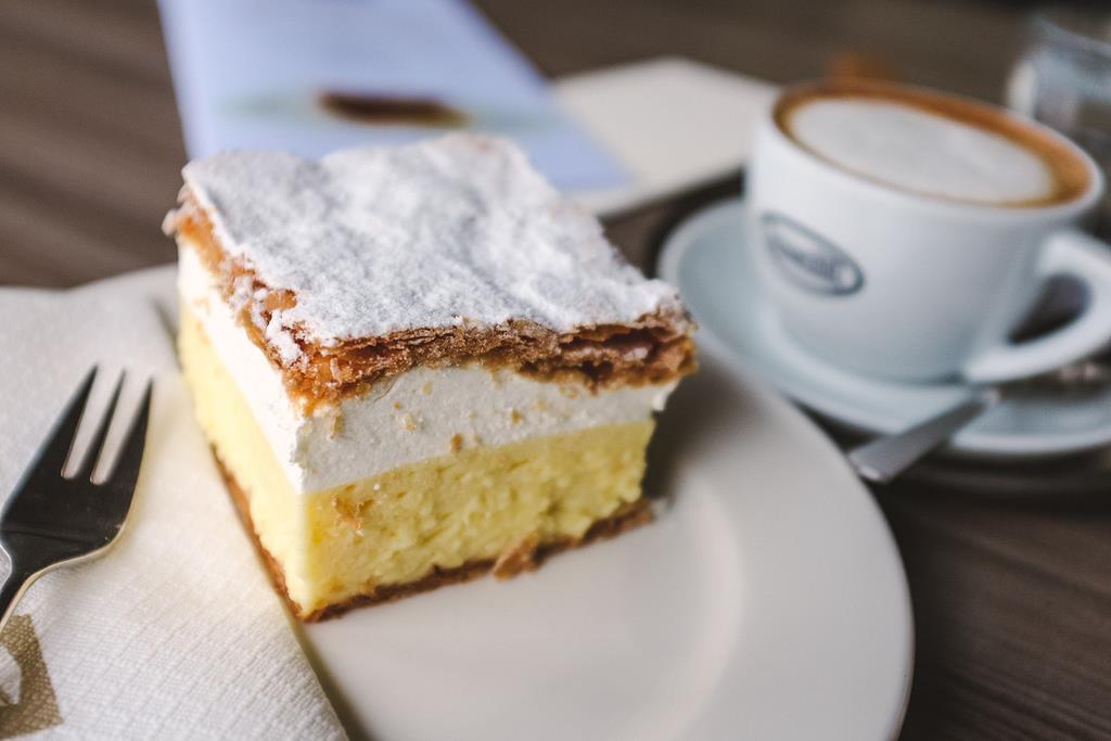Typický místní dezert - tzv. Kremšnit