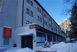 Sport hotel Forte - 5denní lyžařský balíček - zalyžujte si ve 2 zemích***5