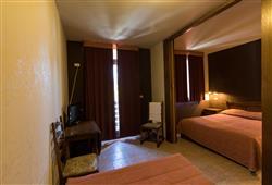 Sport hotel Forte - 5denní lyžařský balíček - zalyžujte si ve 2 zemích***9