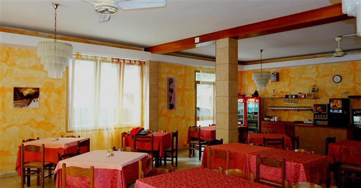 jídelna v hotelu