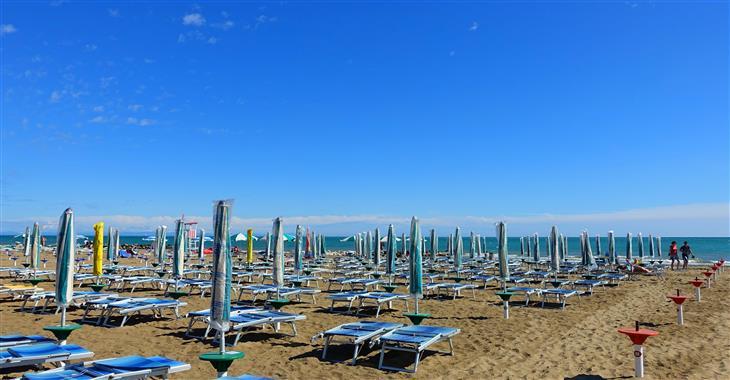 pláž u hotelu Minerva