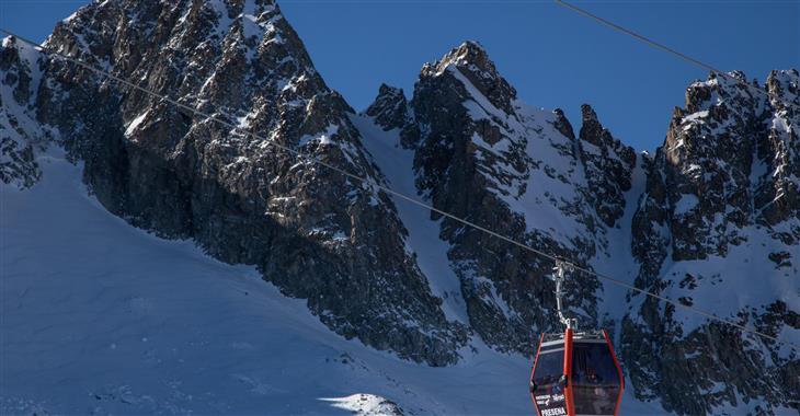 Lyžařský areál je známý hlavně díky ledovci Presena s nadmořskou výškou až 3.016 m n. m.