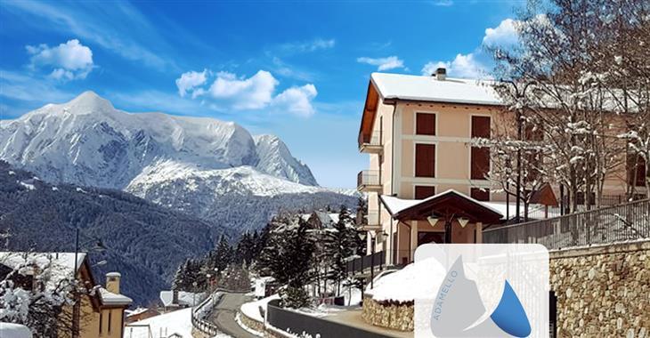 Hotel Casa Alpina leží 2000 m od centra Ponte di Legno a je vhodný pro skupiny přátel a rodiny s dětmi