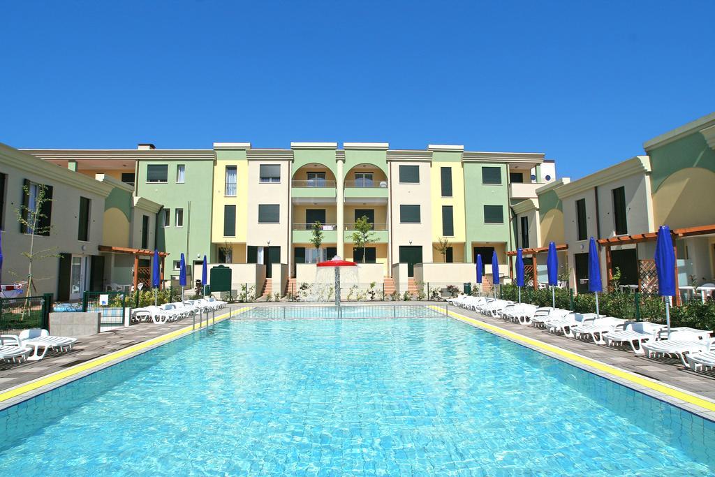 Villaggio Le Farnie****