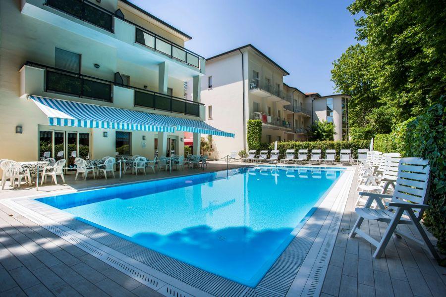 Hotel Athena s plnou penzí***