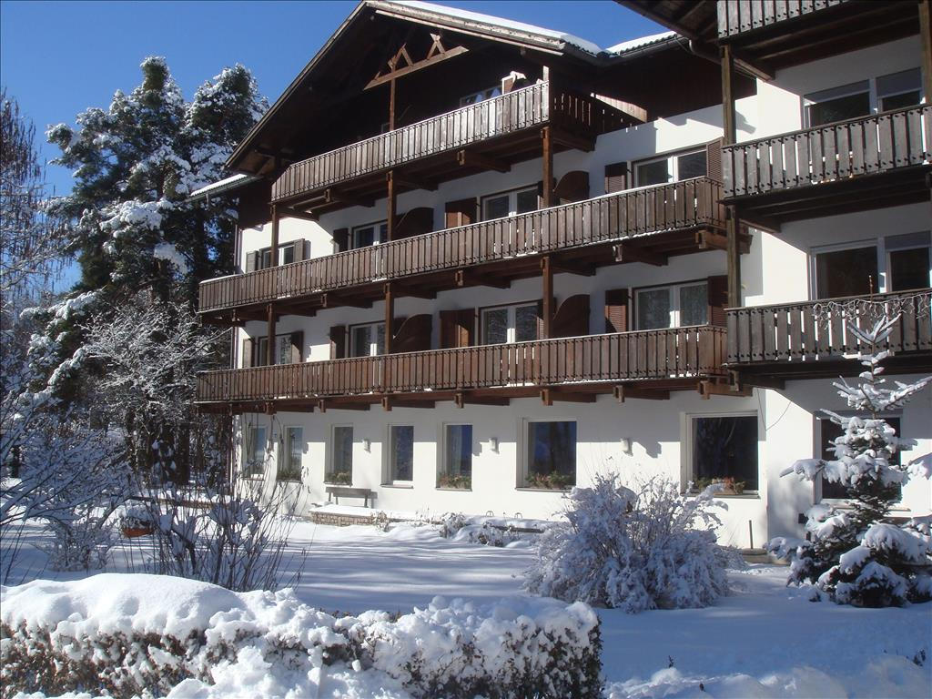 Hotel Perwanger - pokoje***