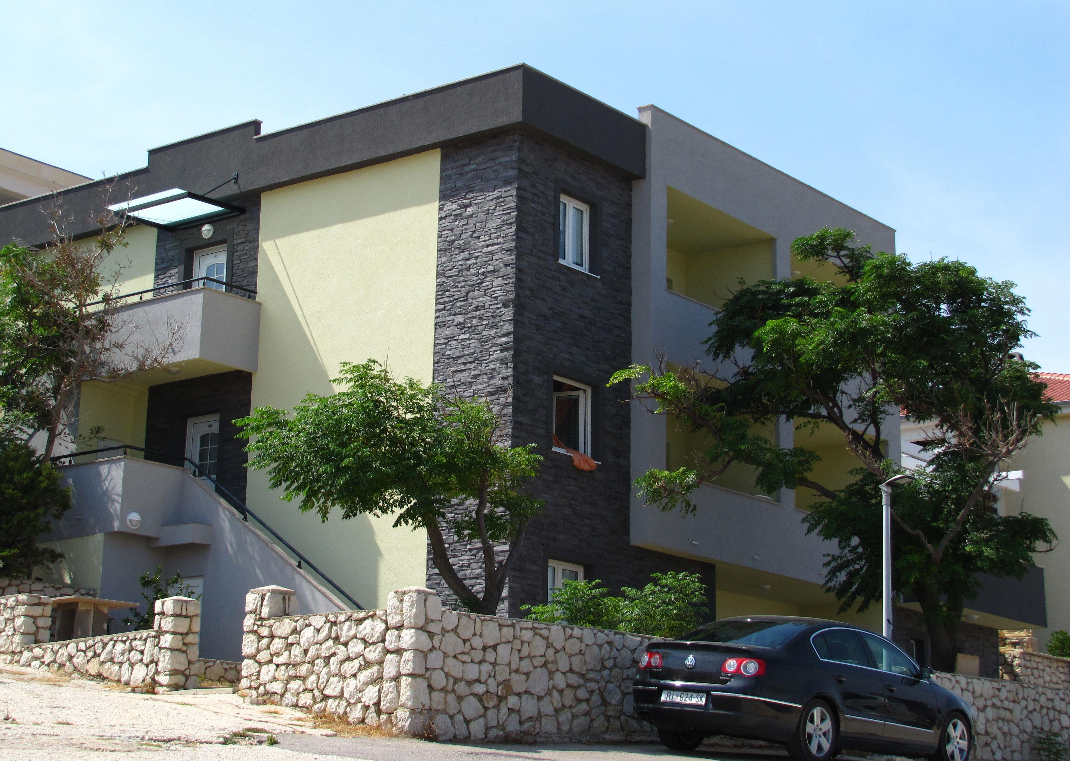 Apartmánový dům Lili***