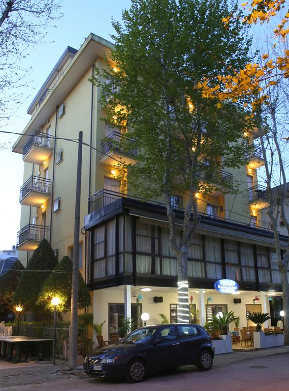 Hotel Busignani***