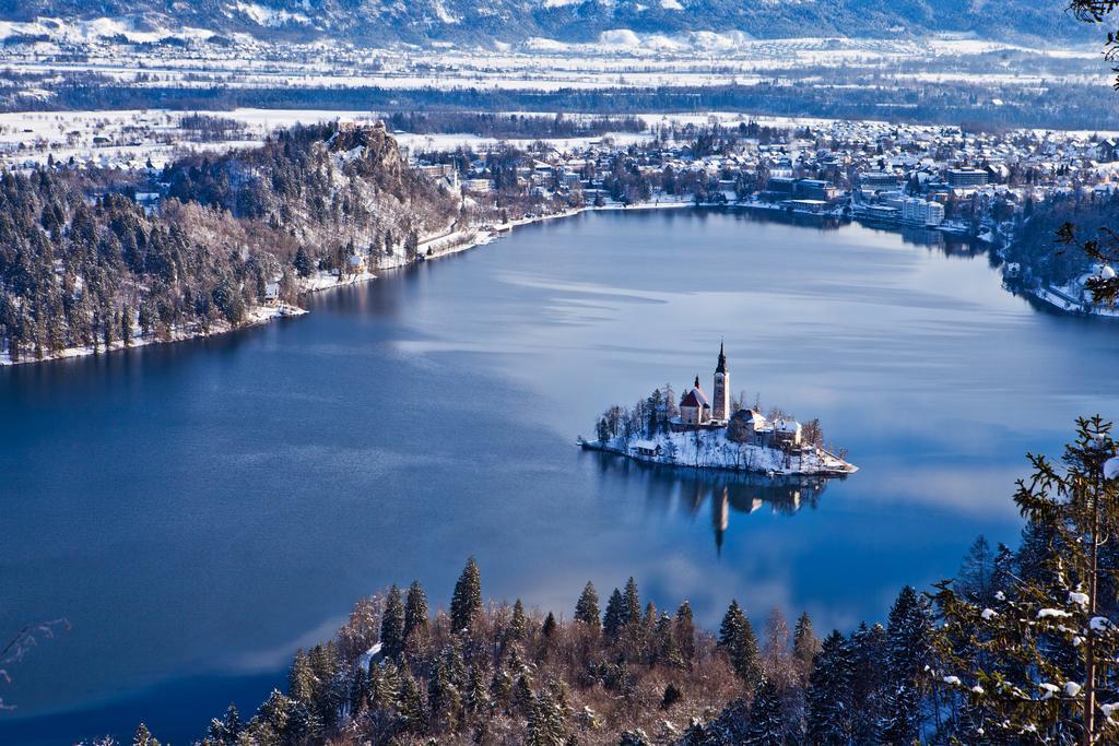 Hotel Jadran - 5denný lyžiarsky balíček s denným prejazdom, wellness a skipas v cene***