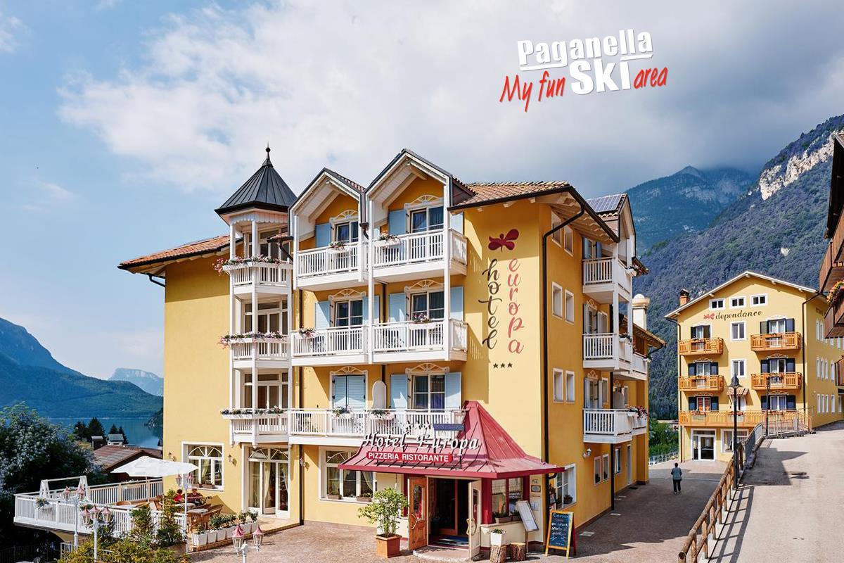 Hotel Europa - 6denný lyžiarsky balíček so skipasom a dopravou v cene***