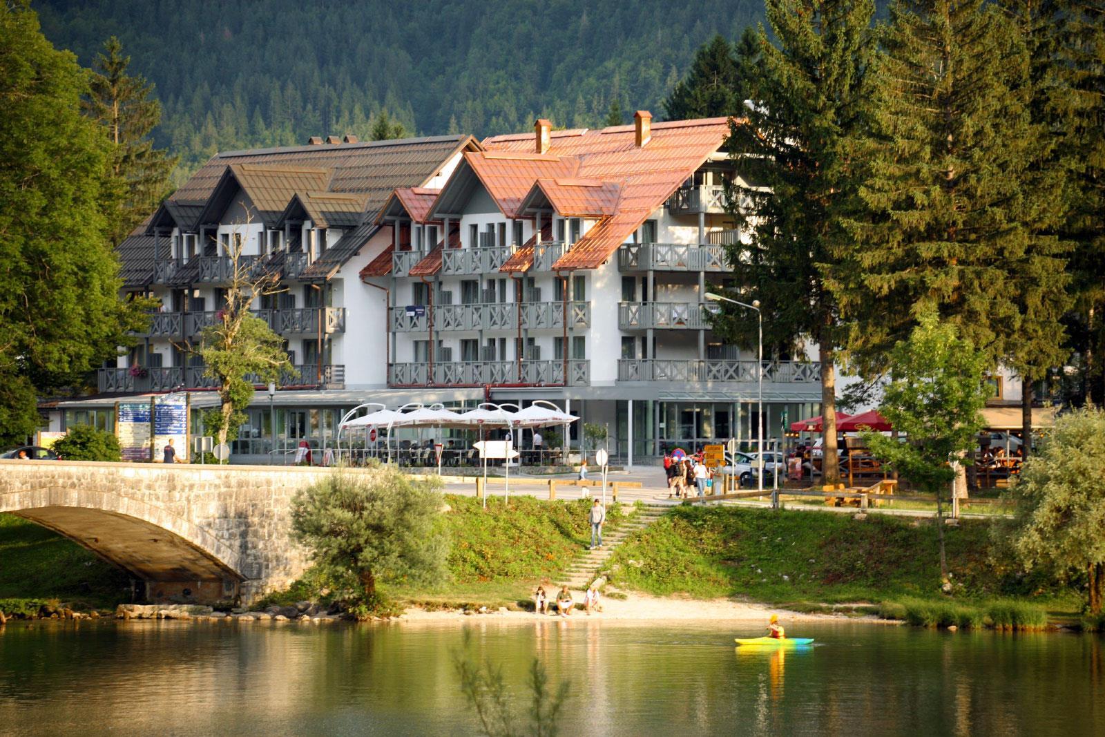 Hotel Jezero - zvýhodnený balíček (jar/jeseň)****