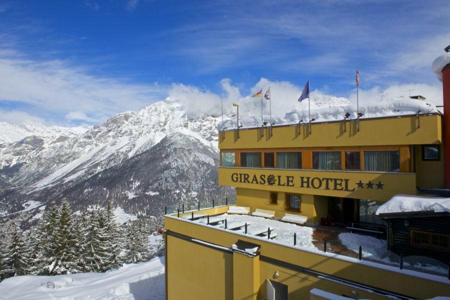 Hotel Girasole – 6denní lyžařský balíček s denním přejezdem, skipasem a dopravou v ceně***