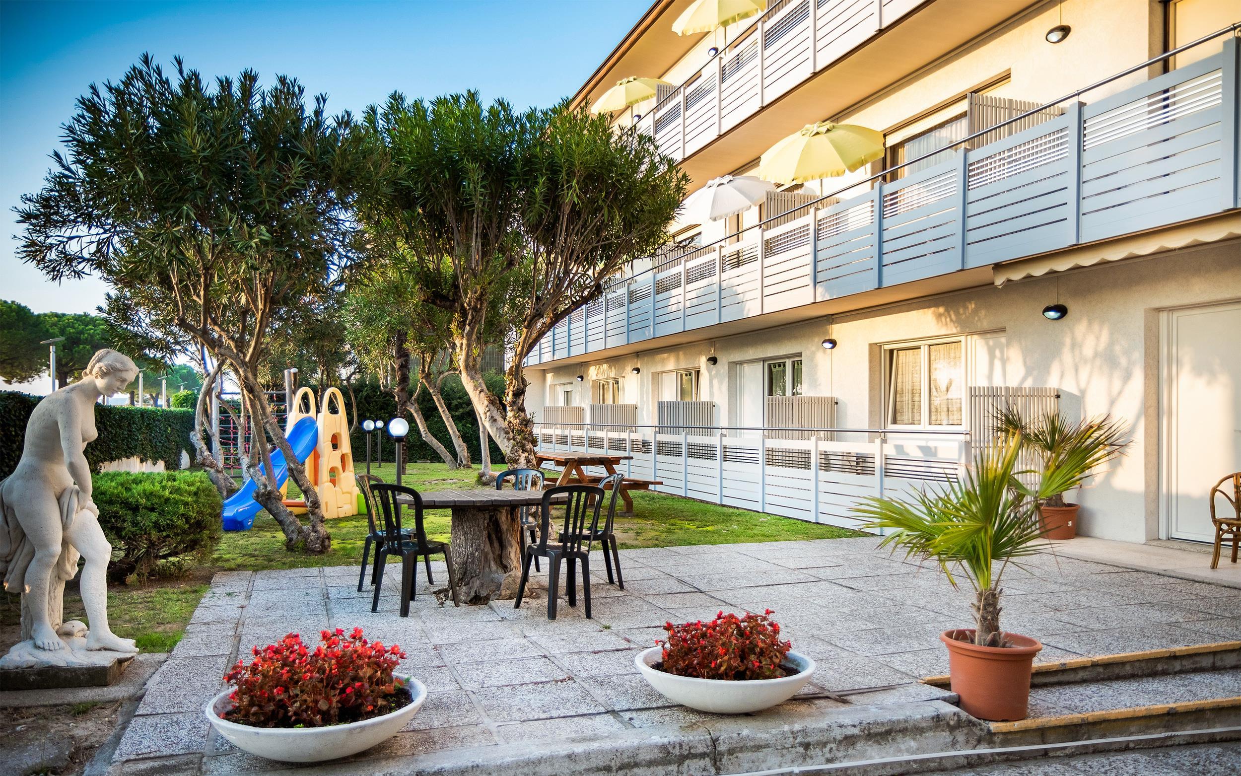 Villa Yachting***