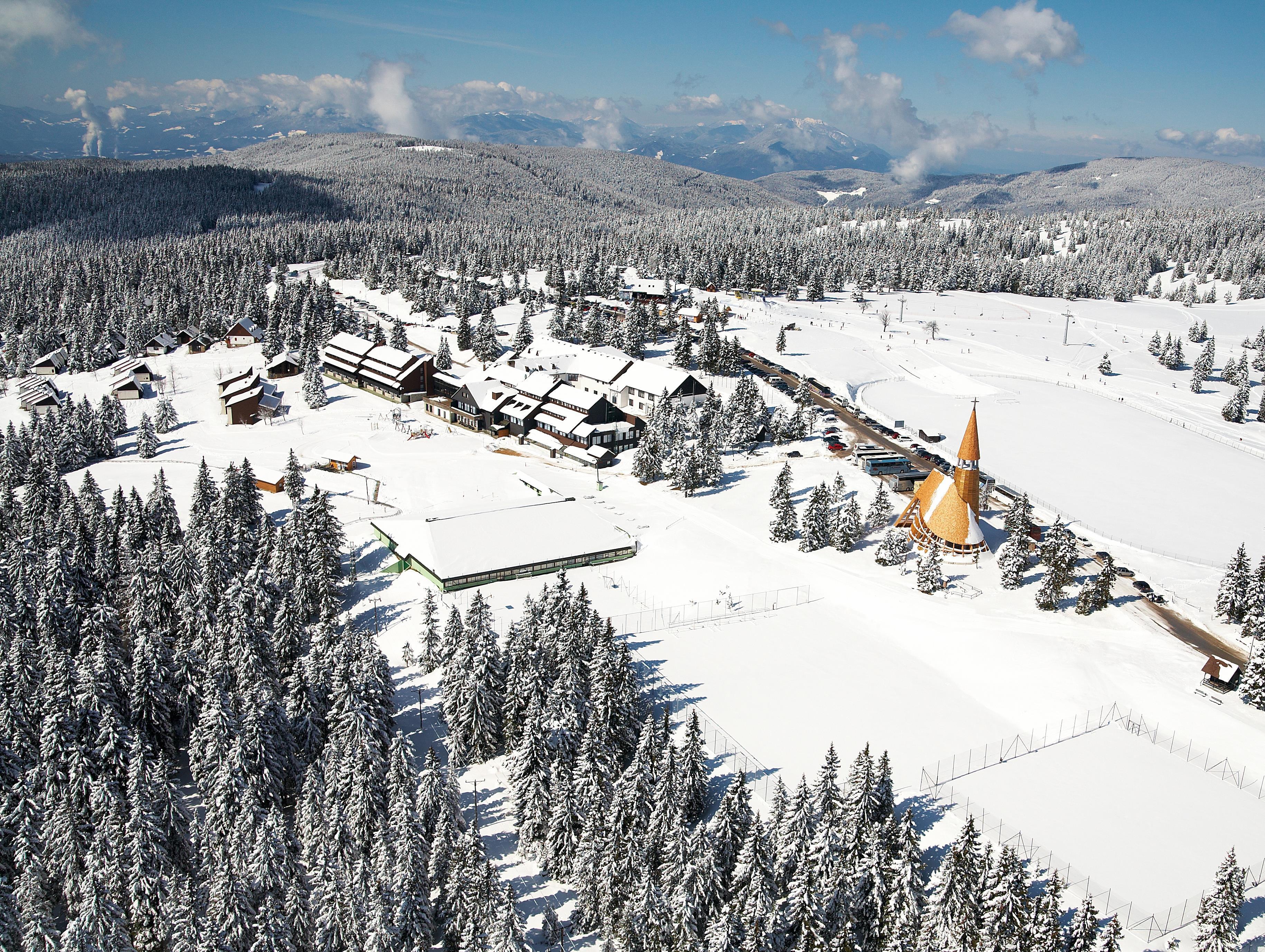 Hotel Brinje - zimowy pobyt z skipassem w cenie***