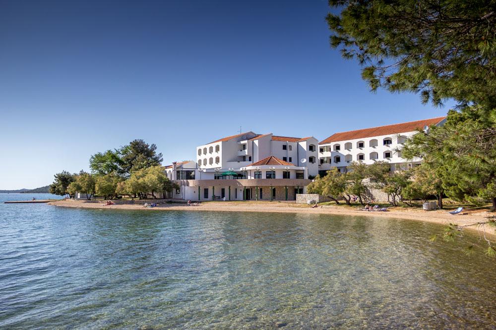 Hotel Miran - pokoje s polopenzí***