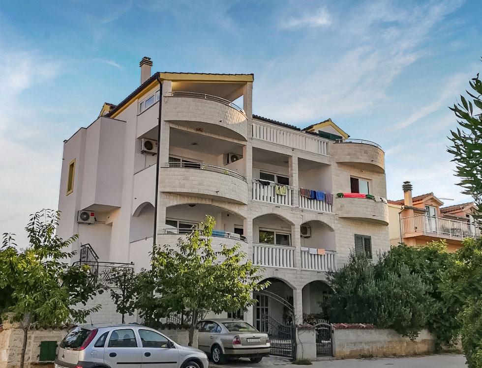Villa Ruža s bazénom - apartmány***