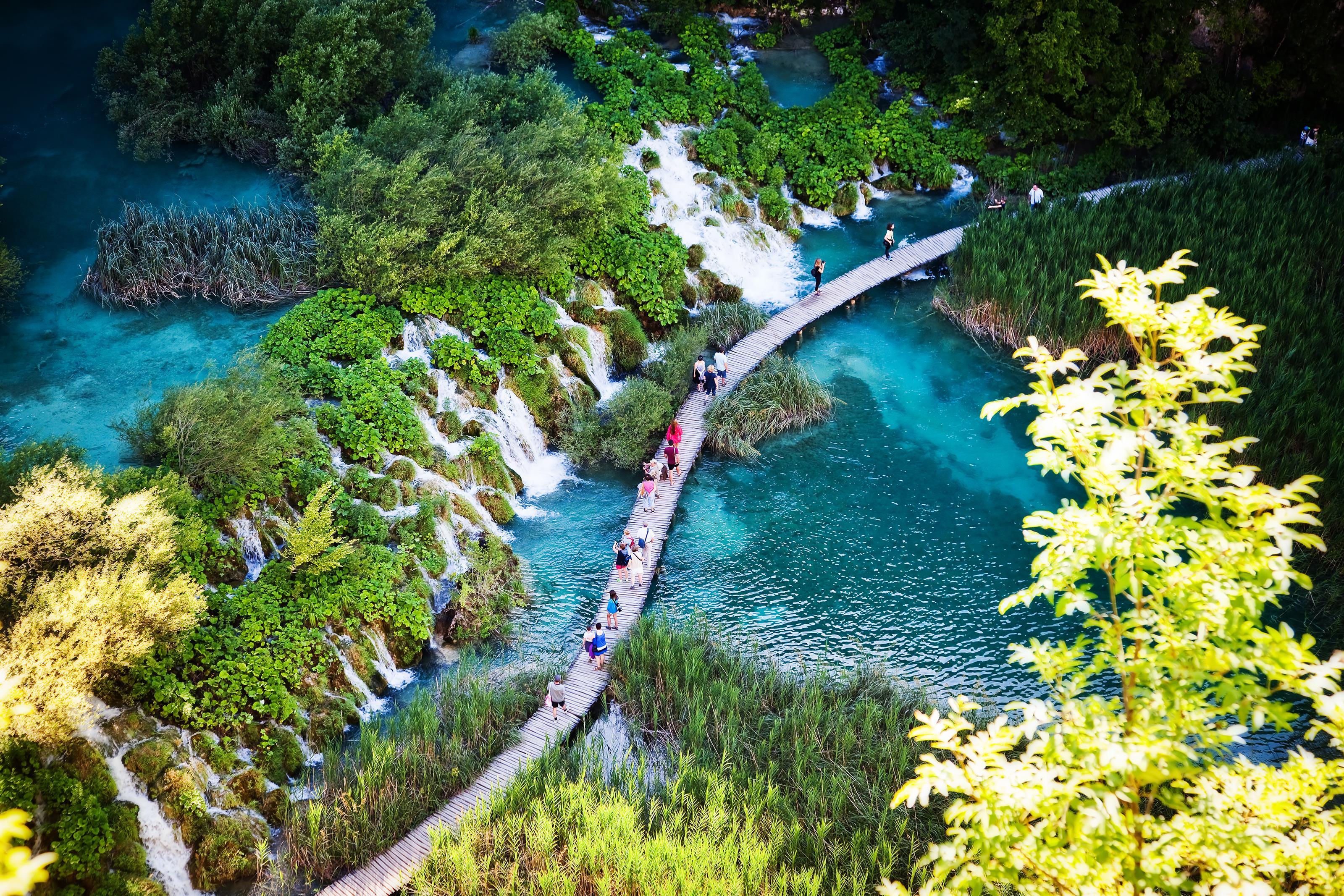 Plitvická jezera jsou skvostem chorvatské přírody