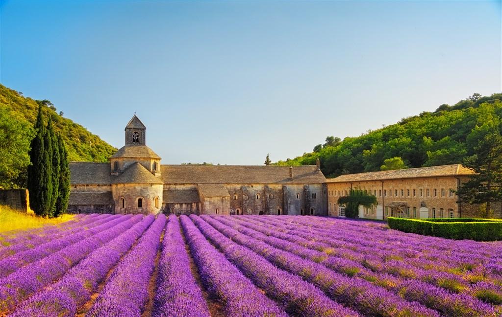 Stavba klášteru Sénanque trvala více jak sto let
