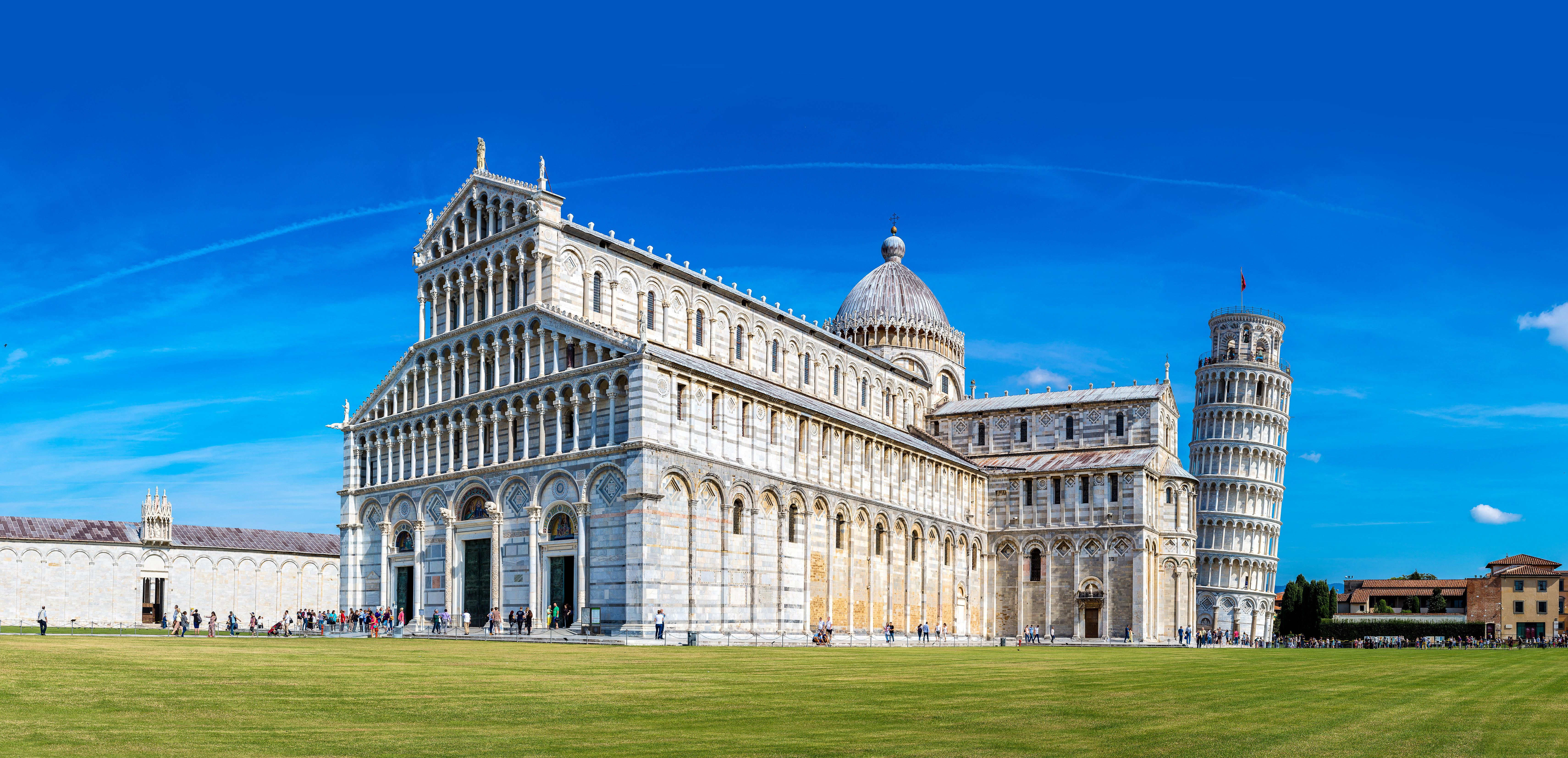 Když se řekne Pisa, každý si hned vybaví Šikmou věž. Málokdo už ví, že stojí na náměstí Zázraků