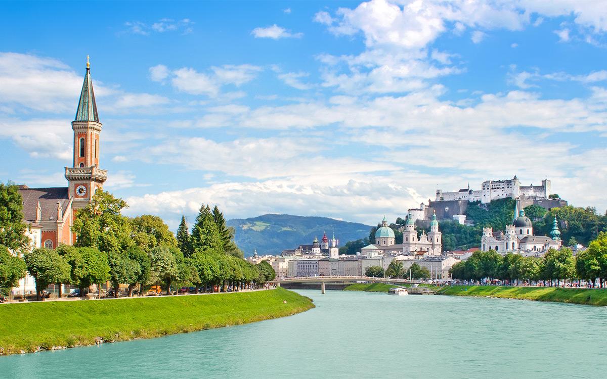 Salzburg je hlavním městem spolkové země Salzbursko. Jeho bohatství a historie souvisí se solnými doly v okolí