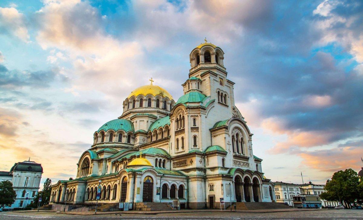 Sofie je hlavní město Bulharska leží na úpatí pohoří Vitoša