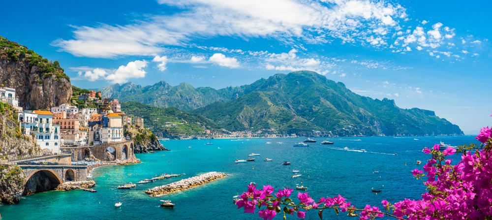 Vydejte se s námi do Itálie, uvidíte kouzelné Amalfské pobřeží, pulzující Neapol a slavné Pompeje