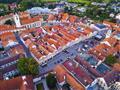 Odpoledne už se přesuneme do Třeboně, kde si projdeme centrum města průvodcem...