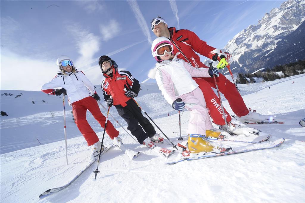 Máte ratolest, která se učí lyžovat? Dejte ji do česky mluvící lyžařské školky