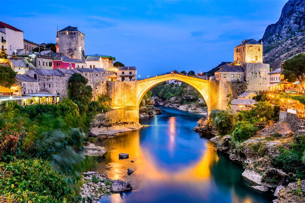 Mostar - dominantnou města je most