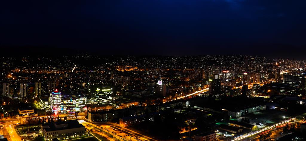 Sarajevo - večerní pohled na město