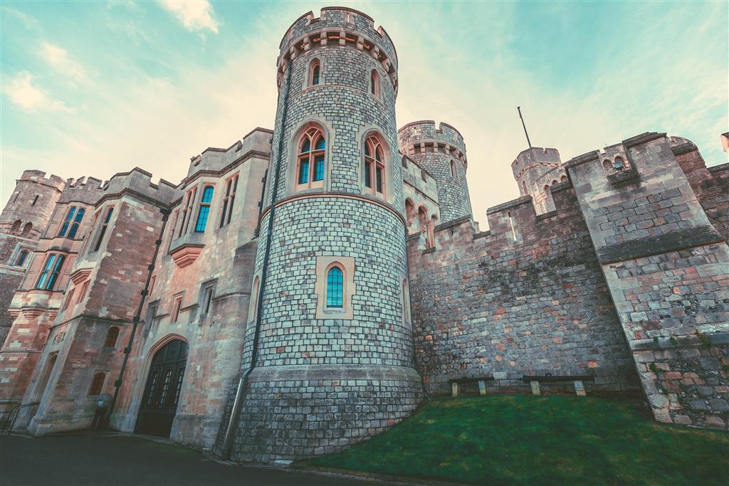"""Prohlídku Toweru vám zpestří """"Beefeatři"""", kteří hradem provádějí a rádi vám zodpoví vaše dotazy"""