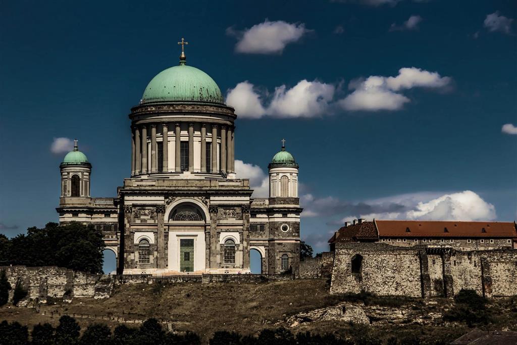Bazilika panny Marie a sv. Vojtěcha v Ostřihomi