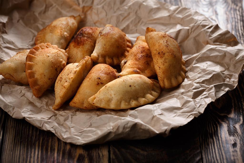 Nedílnou součástí lotyšské kuchyně jsou piragi, variace na ruské pelmeně