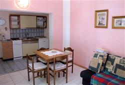 Apartmánový dům Stošica***4