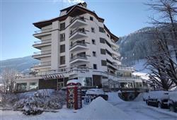 Park Hotel Bozzi - 6denný lyžiarsky balíček so skipasom na 4 dni a dopravou v cene***1