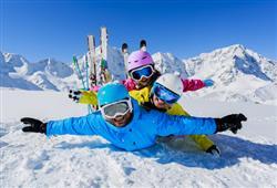 Hotel Piancastello - 5denní lyžařský balíček se skipasem a dopravou v ceně***24