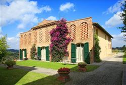 Hotel Borgo Colleoli Resort***8