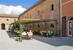 Hotel Borgo Colleoli Resort***27