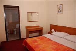 Hotel Zagreb - Karlobag***7