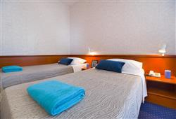 Hotel Laguna - Gradac**10