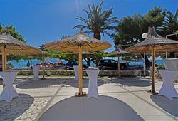 Hotel Laguna - Gradac**20