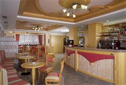 Hotely Paganella - různé *** hotely - 5denní lyžařský balíček se skipasem a dopravou v ceně***9