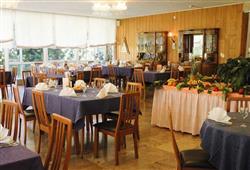 Park Hotel Bozzi - 6denný lyžiarsky balíček so skipasom na 4 dni a dopravou v cene***7