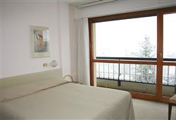 Centrum městečka Aprica je vzdáleno jen 250 m a bary či restaurace 100 m od hotelu