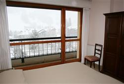 Hotel Urri - 5denní lyžařský balíček se skipasem a dopravou v ceně***12